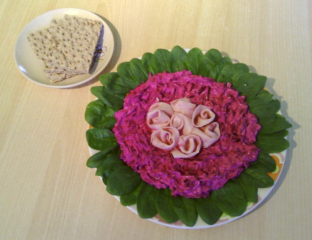 cviklovy-salat-s-knek