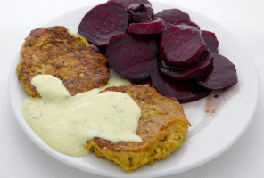 Cuketovo-zemiakové placky s cviklou